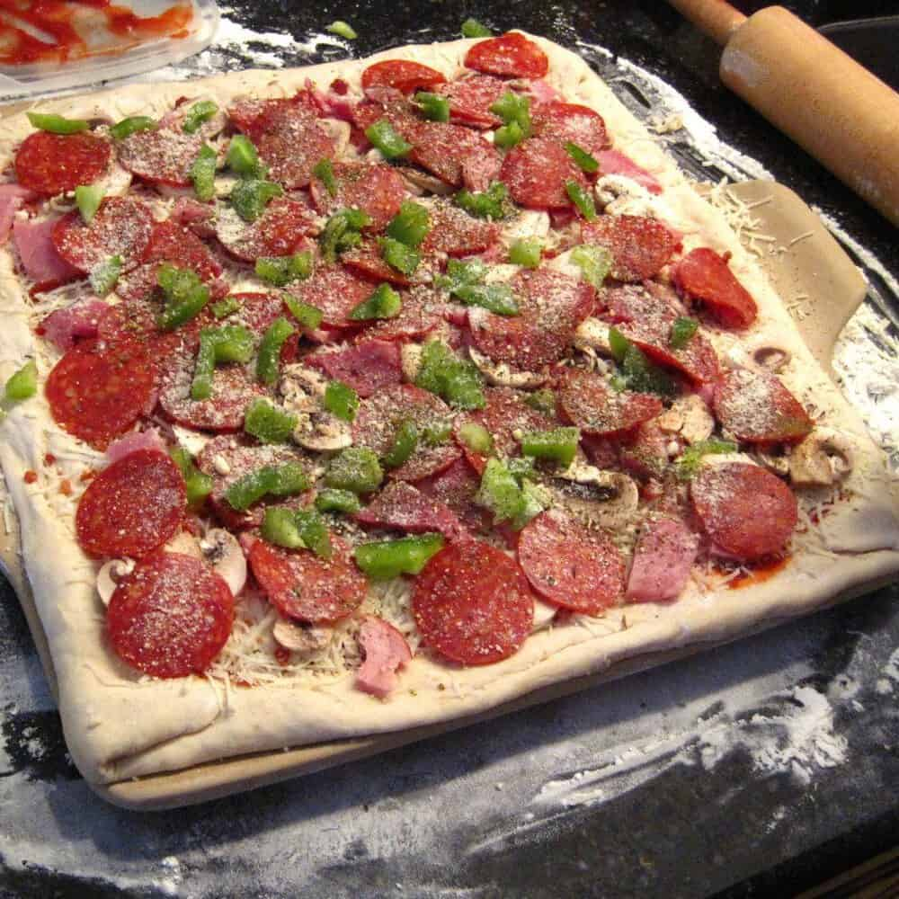 Quick & Simple Meal Ideas: Homemade Pizza