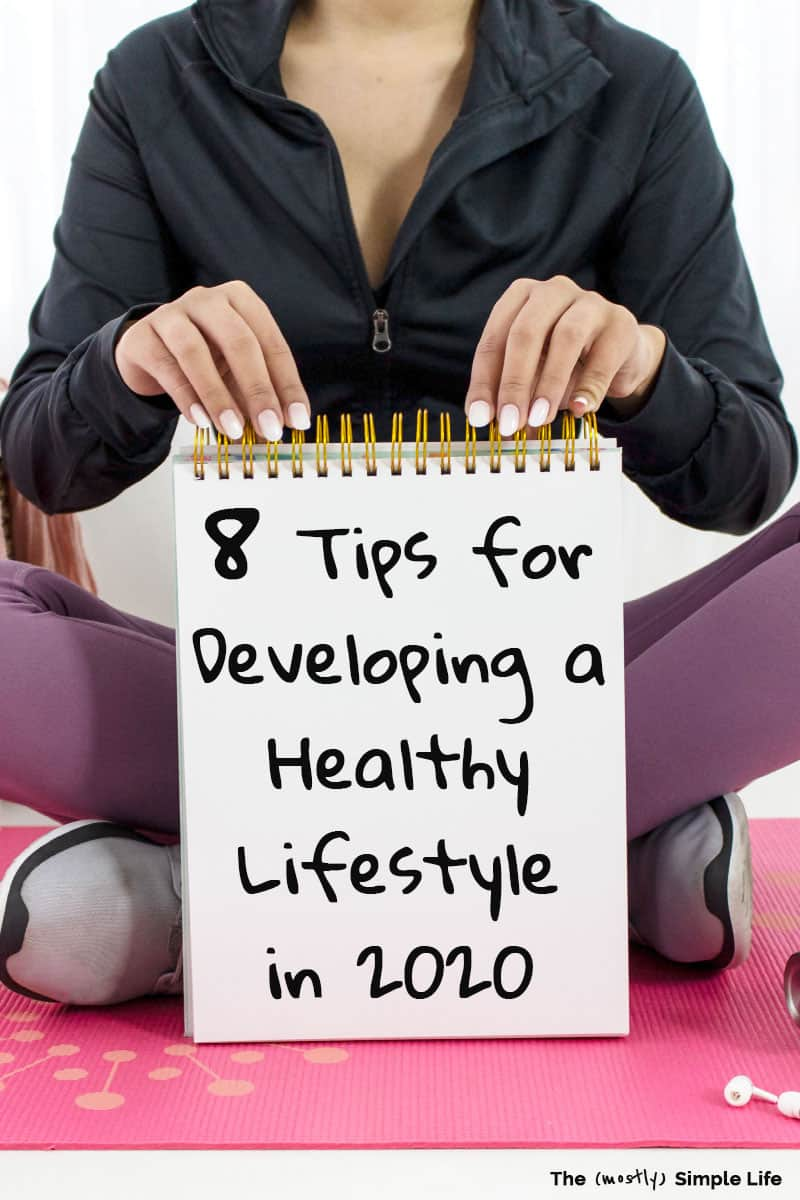 You are going to love these fitness tips and ideas for living a more active and healthy lifestyle in 2020! Whether you want to lose weight or just be more active, you can use these tips! Perfect healthy habits for beginners and busy moms/women. Set goals, walk, dance, play, have fun with exercise! #fitness #2020 #goals #lifestyle